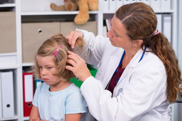 Как лечить педикулез и чем опасны вши?